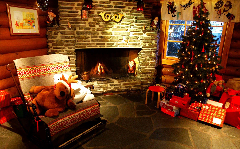 Weihnachtlich geschmücktes Zimmer